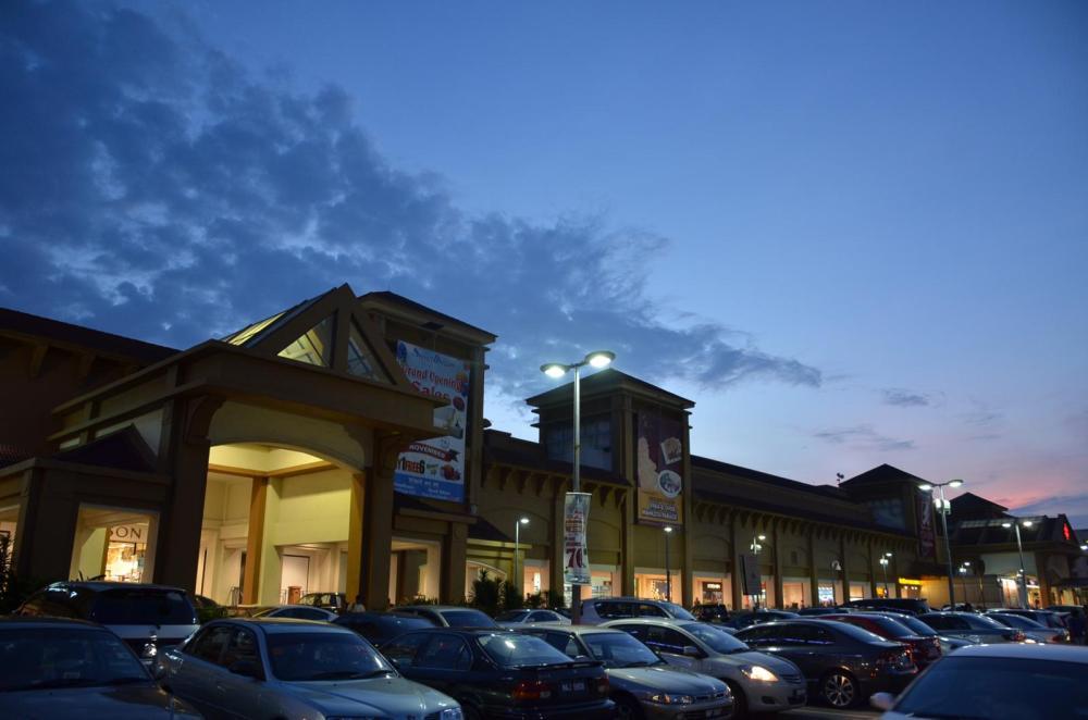 Mahakota Center