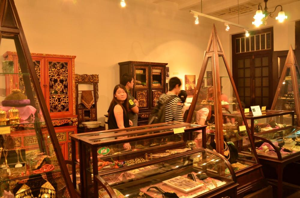 Jewelry museum